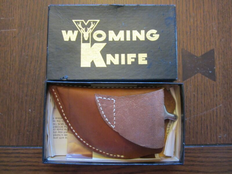 Vintage Wyoming Knife with Leather Sheath Box and Papers Zipper Skinning Gutting