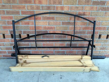 Double bed frame w/ wooden slats Maryland 2287 Newcastle Area Preview
