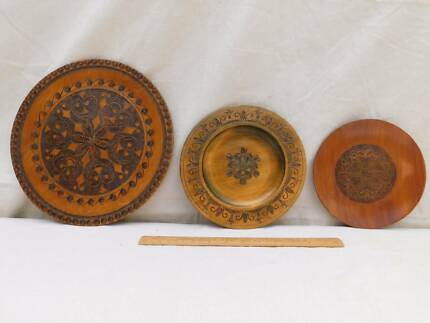 Beautiful vintage Wood Carved Plates from Poland