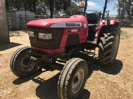 Mahindra 5500 tractor only 350 hours