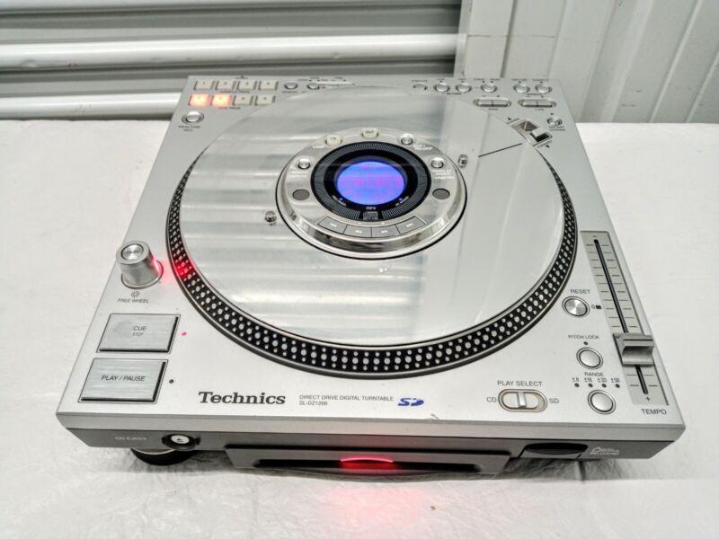 Technics CD/Digital Turntable SL-DZ1200.  GREAT for DJs