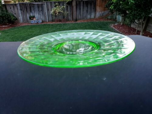 "Green Block Optic 10"" Sandwich Plate"