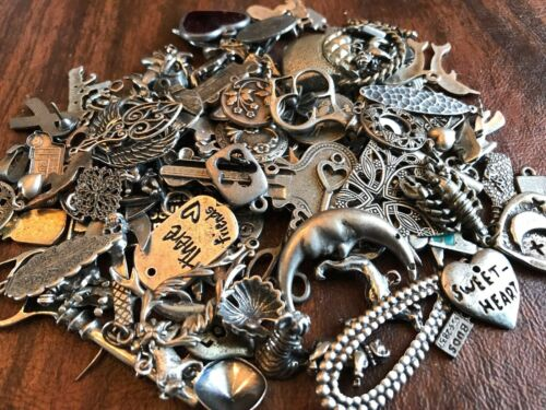 ANIMALS & MORE STYLES WHOLESALE JEWELRY BONANZA 100 ASSORTED CHARMS & PENDANTS.