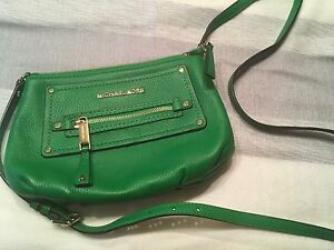 Micheal Kors Crossbody Purse/Clutch