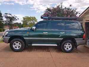 Toyota landcruiser 100 series GXL Glenmore Park Penrith Area Preview