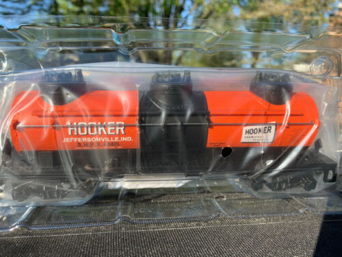 AMERICAN FLYER HOOKER CHEMICAL 3-DOME TANKER, MINT IN BOX! {6-48415}..... $69.95
