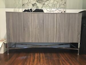 Brand new Dinning room buffet - NEGOTIABLE!