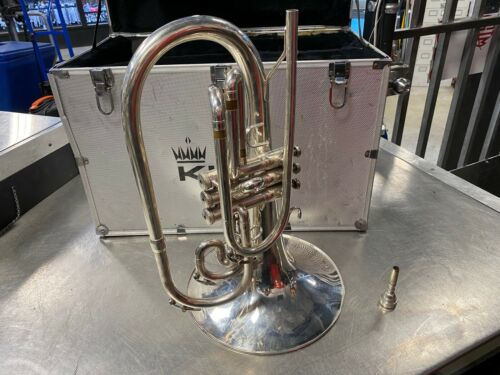 King Model 1121 Professional Marching Mellophone and Case