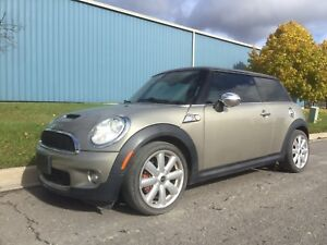2007 Mini Cooper S - Red Leather - Winters Included