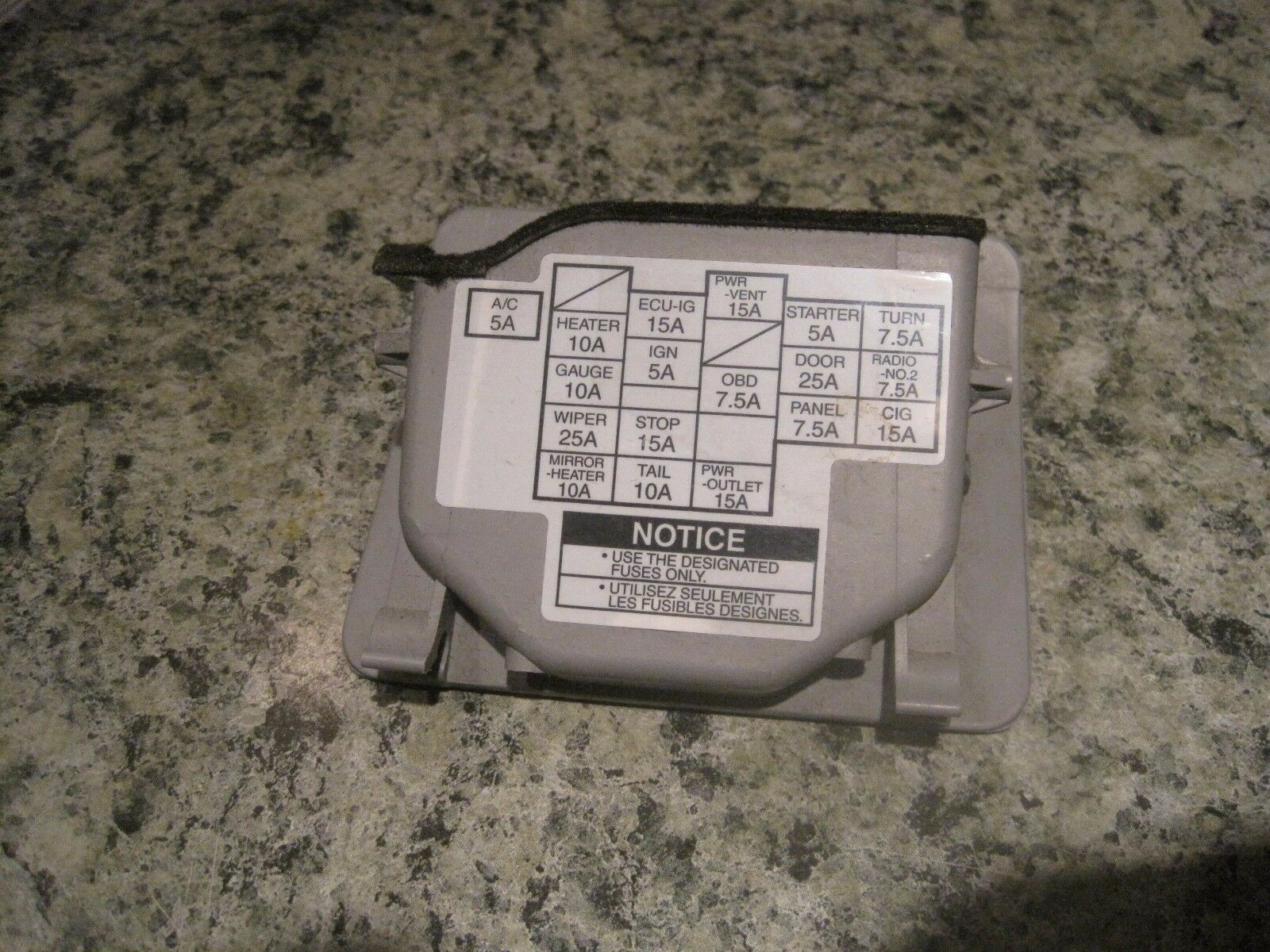 Used Toyota Dash Parts For Sale Page 39 2006 Sienna Window Fuse Box 2001 2002 Coin Holder Cover Door Oem Light Gray