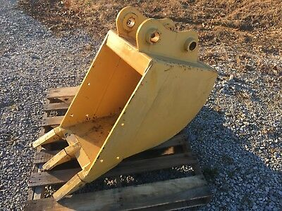Used 17 Wide Excavator Or Backhoe Digging Bucket