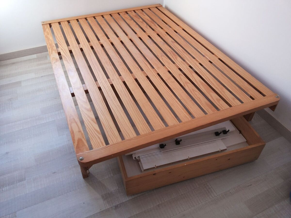 Base cama dura madera 190x135 barcelona muebles for Loquo muebles