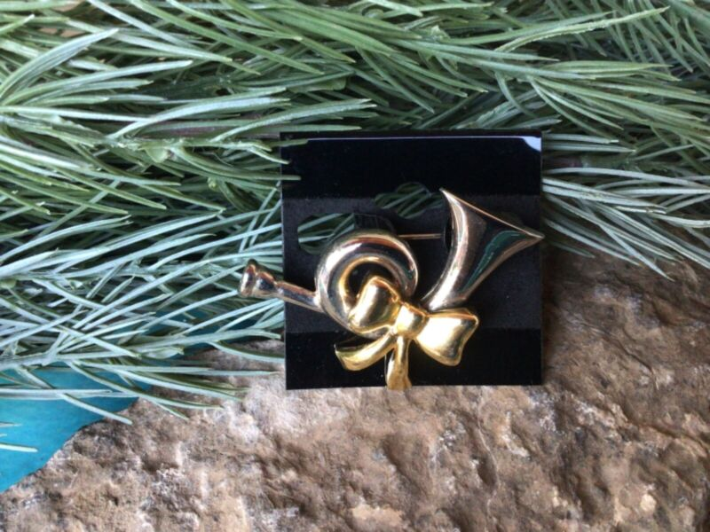 Silver Trumpet with Gold Bow Chistmas Holiday Brooch Pin