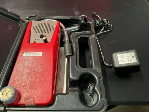 SNAP-ON ACT8080 COMBUSTIBLE GAS DETECTOR w/t charger UNTESTED