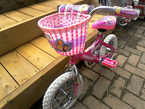 Little Dreamers Deluxe girls bicycle