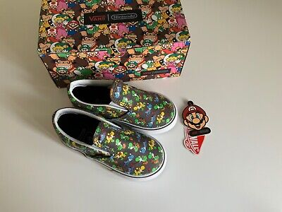 Vans Nintendo Mario Yoshi Slip on Trainers Size UK 7 infants New in box