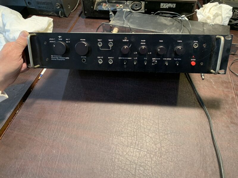 Apt Holman Preamplifier (Preamp), w/ 2 Phono Inputs, High End Sonics & Features!