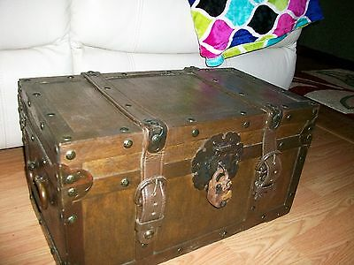 Rustic ,Western Wood Storage Hope Chest Trunk Hope Chest Trunk