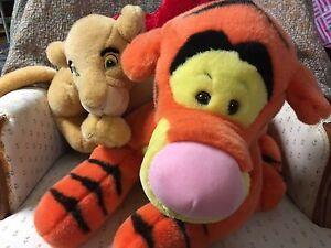 Jumbo Tigger and Simba