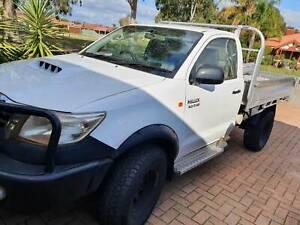 2011 Toyota Hilux WORKMATE Automatic Ute URGENT SALE