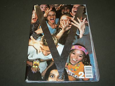 1999 NOV/DEC V MAGAZINE ISSUE NO. 2 - GENERATION V - HIGH END FASHION- O 1228