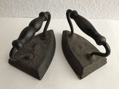 Lot of 2 Vintage Cast Sad Irons Door Stop Shaped Handles Book Ends Country Decor