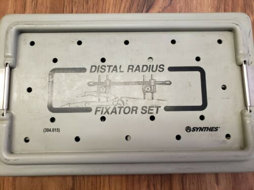 SYNTHES Distal Radious 304.015 Fixator Set