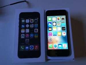 Iphone 5s noir Bell/Virgin 16gb *neuf de 6 mois*