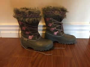 Size 4 thinsulate girls winter boots