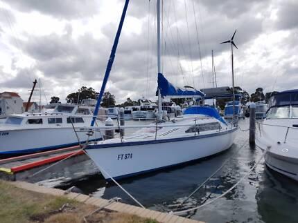 Noelex 30' Cruising Sailing Yacht