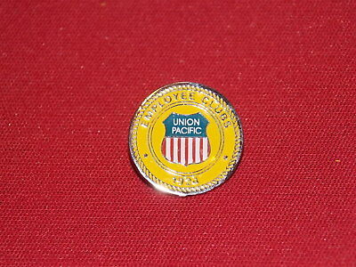 Union Pacific Railroad Employee Clubs Hat / Lapel Pin New