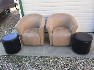 Chairs & Ottoman's