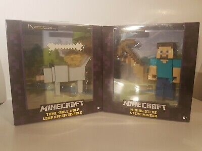 Minecraft Tame-Able Wolf for Ages 6+ New  UNIQUE FUNCTION BEFRIEND THE WOLF!