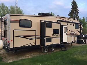 2014 Outback 302FBH Fifth Wheel