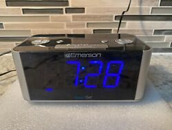 Emerson CKS1708 Smart Set Radio Alarm Clock
