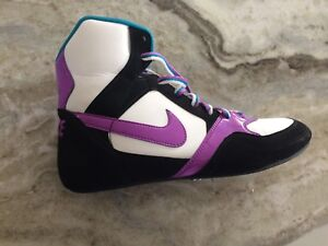New Nike women's 10 or men's 8 shoes