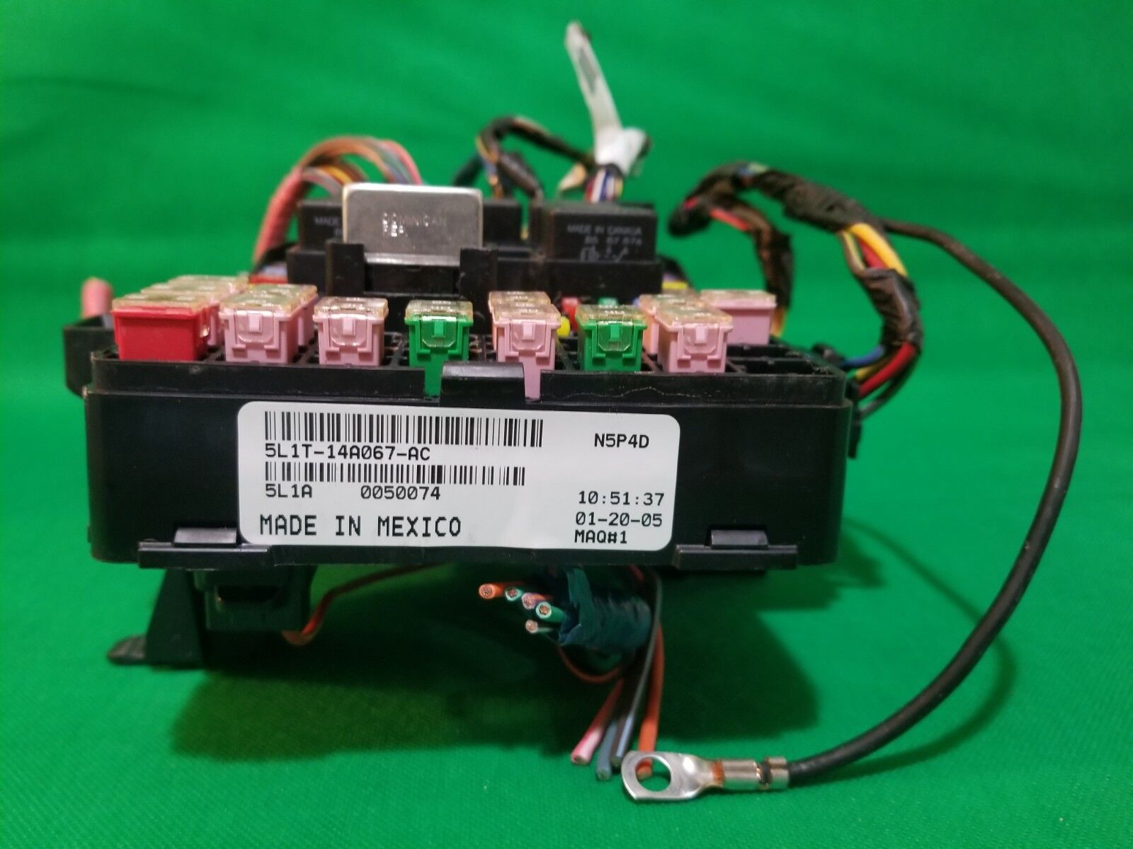 05 Expedition Navigator Fuse Junction Distribution Box Relay 5l1t-14a067-ac
