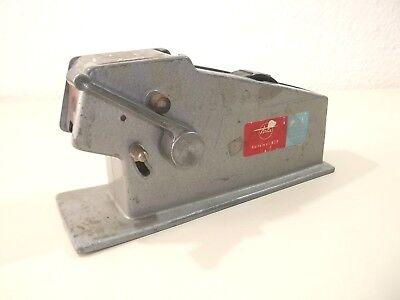 Alte Tesa Tischabroller Automat  Beiersdorf Nr 029  Metallguss Made in  U.S.A
