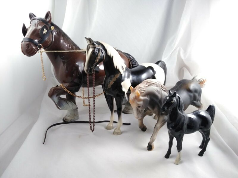 "Vintage Lot Of Plastic (Celluloid?) Horses 8.5"" - 4.25"" Tall"