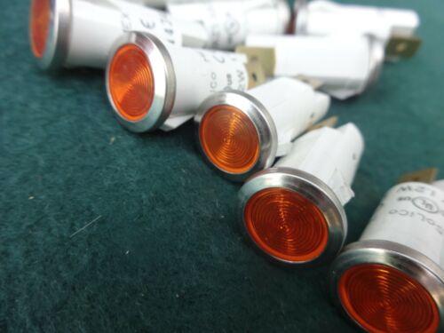SoLiCo 3039-4-12-62620 28V Round Amber Panel Light