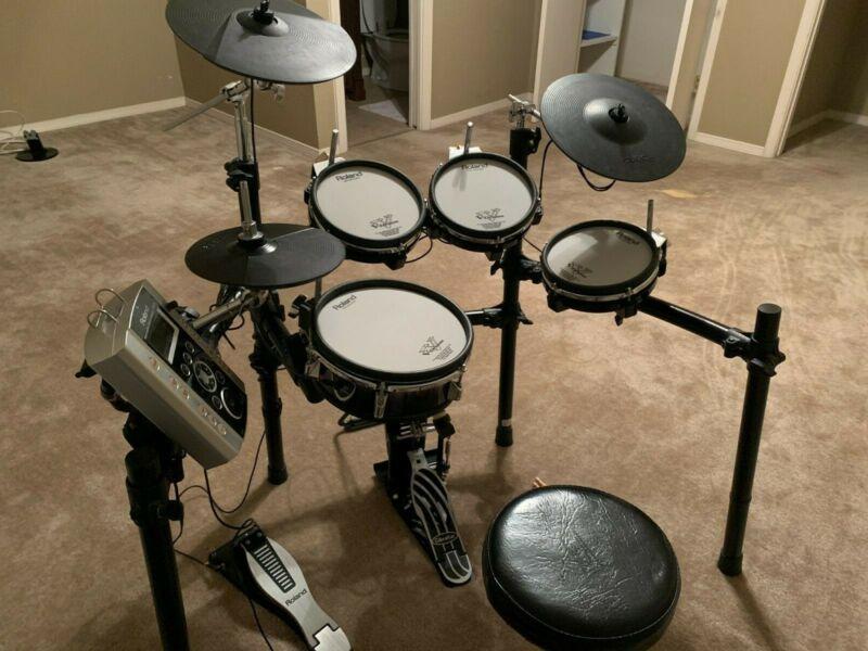 Roland TD-9SX Electric Drum Set Fantastic Condition