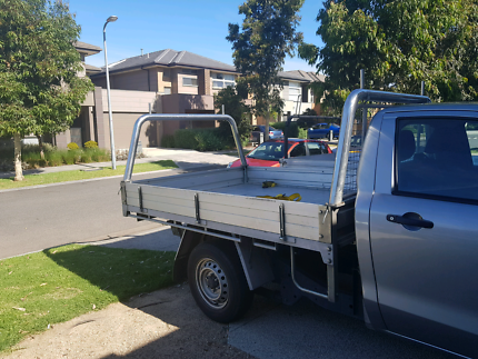 Hire ute with a man removalists