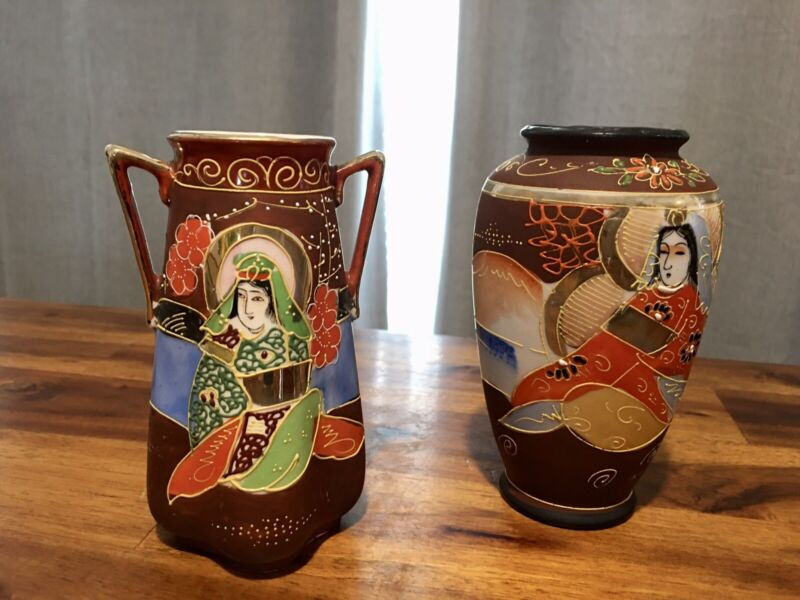 Vintage Pair Japanese Hand Painted Moriage Two Handle Hotta Vase Pottery Art