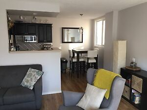 South facing, top floor, corner unit in vibrant Mission
