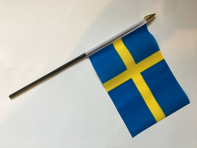 "SWEDEN SVERIGE EUROPE PACK OF 12 SMALL HAND FLAGS flag 6""x4"" with 10"" pole"
