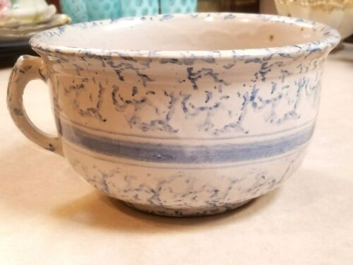 VINTAGE ANTIQUE SPONGEWARE STONEWARE BLUE & WHITE CHAMBER POT w HANDLE