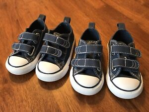 2 pairs de chaussures bleues - Taille 5 - Converse All Star