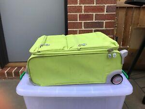 e79ca32e3c duffel bag wheels