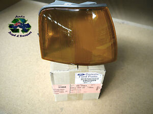 GENUINE FORD EA EB ED RIGHT HAND FRONT INDICATOR CORNER LAMP ASSY - 1988   1994