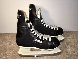 Bauer Jr. Size 4-D Ice Hockey Skates